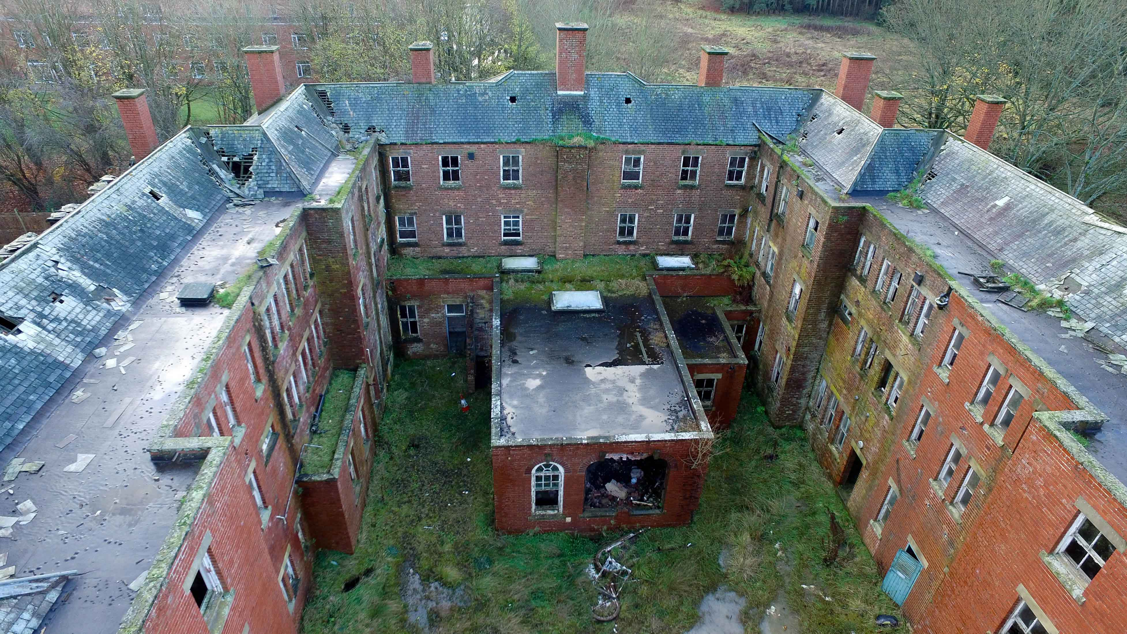 Drone-footage-of-St-Mary's-Hospital